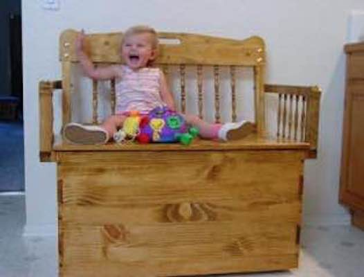 Free plans to build a Toy Box Bench.