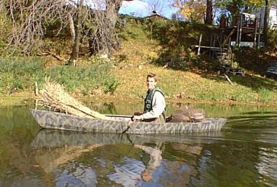 Free plans to build a Wacky Lassie Canoe.