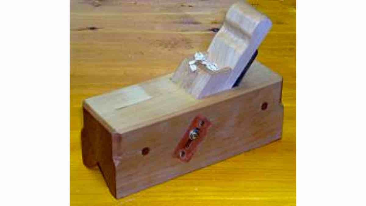How to build a Chamfer Plane with free woodworking PDF plans.