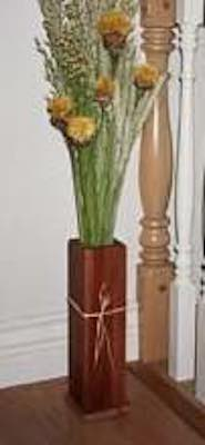 Free plans to build a Dried Flower Holder Vase.