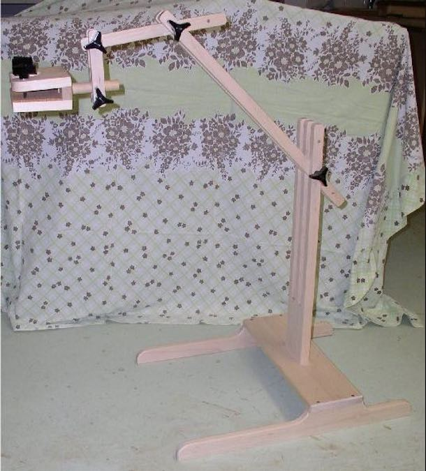 Free plans to build a Needlepoint Stand.