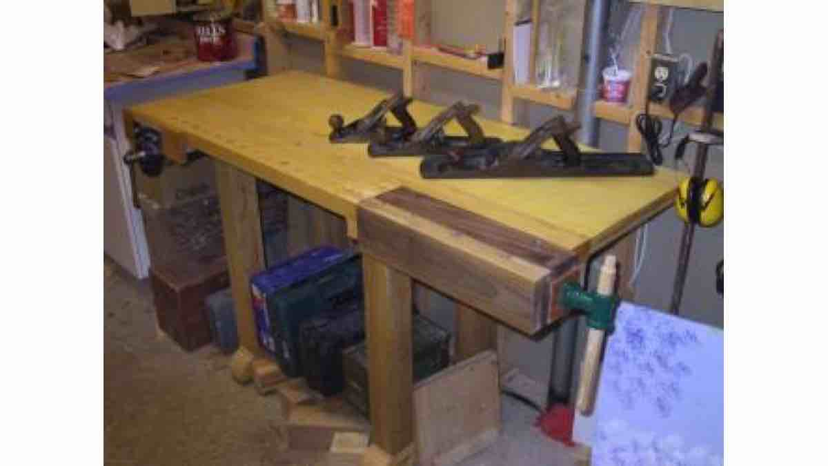 How to build a Worktable for the Workshop