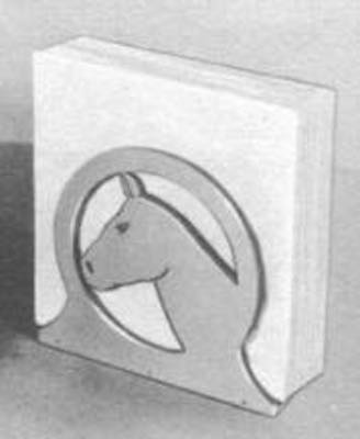 Free plans to build a Horse Napkin Holder.