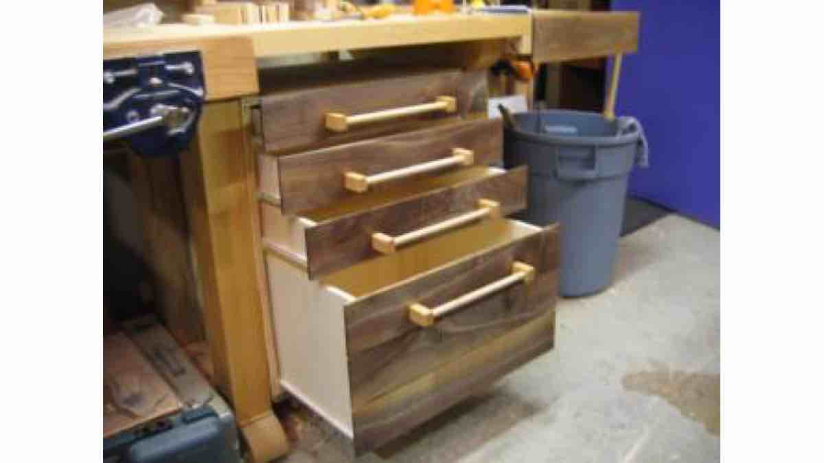 How to build a Workbench Drawers