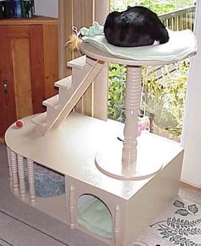 Turn a Cat Kitty Condo on the lathe.