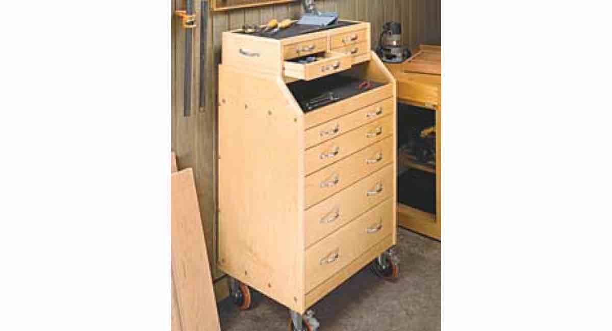 Free plan to build a Slant Front and Bench top Tool Cart PDF
