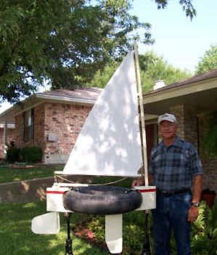 Free plans to build a Sailing Inner Tube Boat.