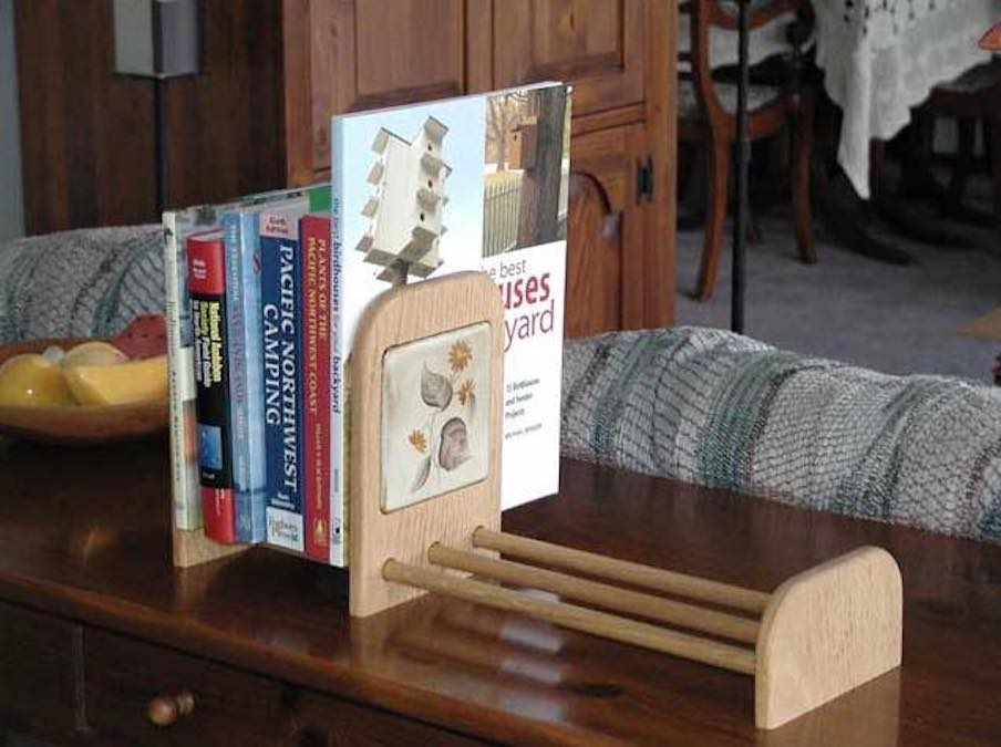 Free plans to build a Book Rack.