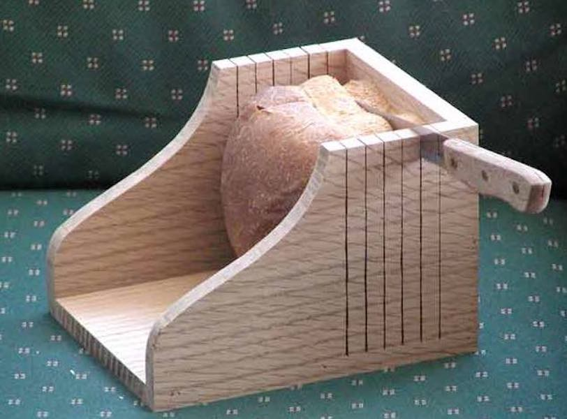 Free plans to build your own Bread Slicer Guide.