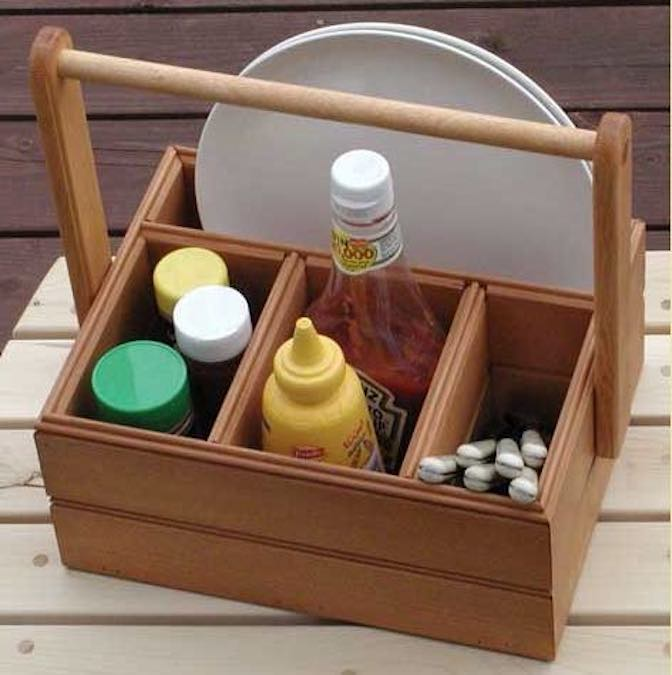 Free plans to build a Picnic Caddy.