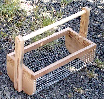 Build a wooden veggie caddy using these free plans.