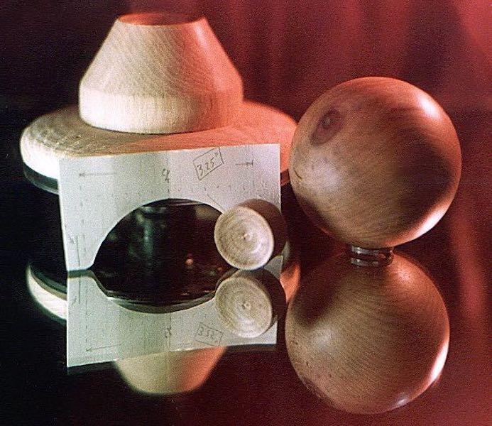 Learn to turn Wood Spheres and Balls on the lathe.
