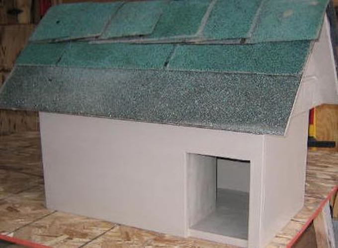 Free plans to build a Cat House.