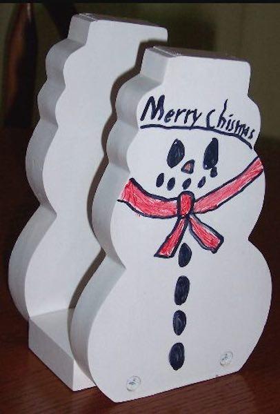 Free plans to build a Snowman Napkin Holder PDF.