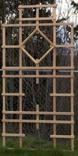 Free plans to build a Nice Garden Trellis.
