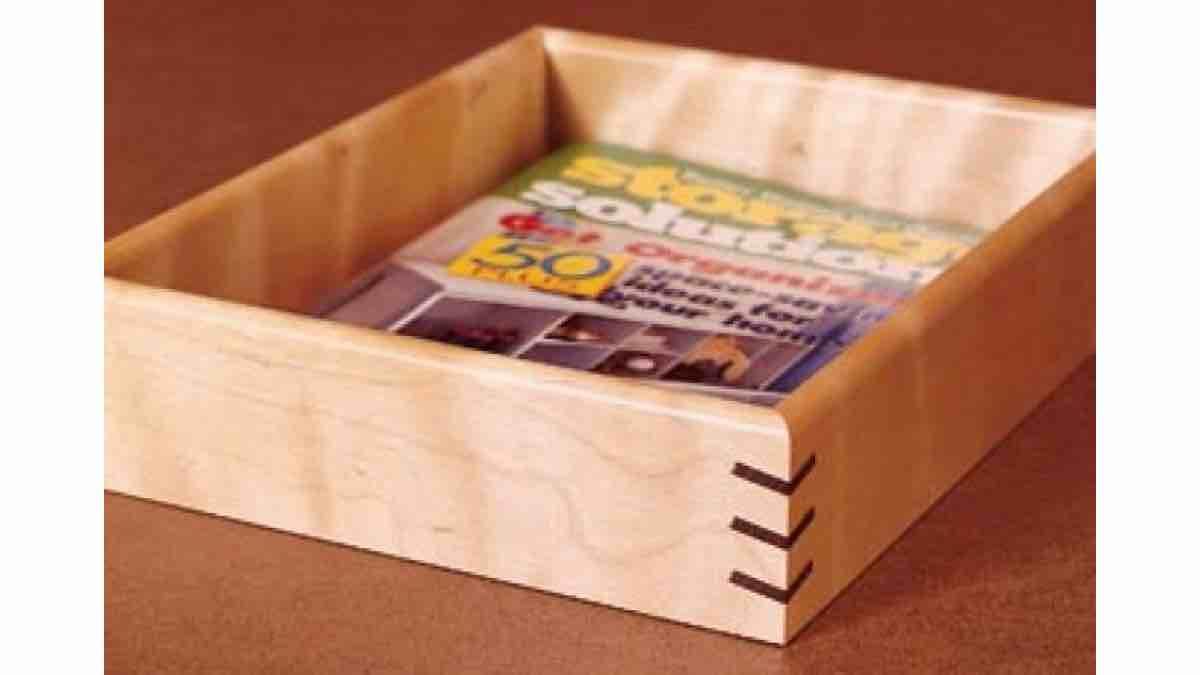 Free woodworking plans for a Spline Jig