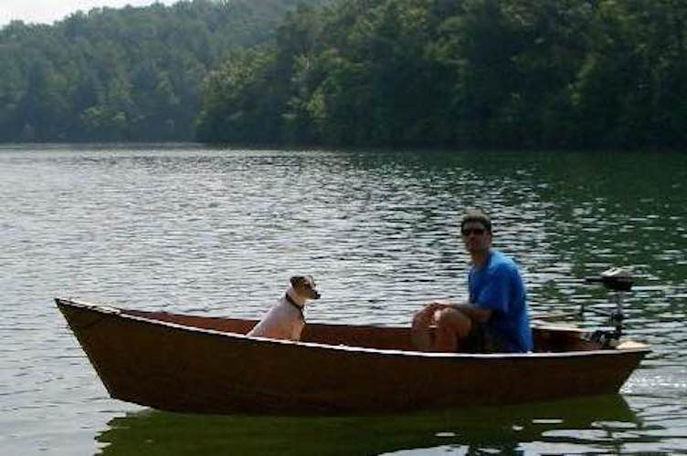 Free plans to build a Skiff Boat 10.5 Feet.