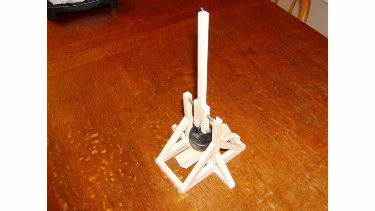 models, medieval trebuchets, launchers, kits, catapults, how to build, do-it-yourself,warfare