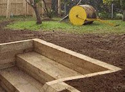 Free plans to build Retaining Wall Steps.