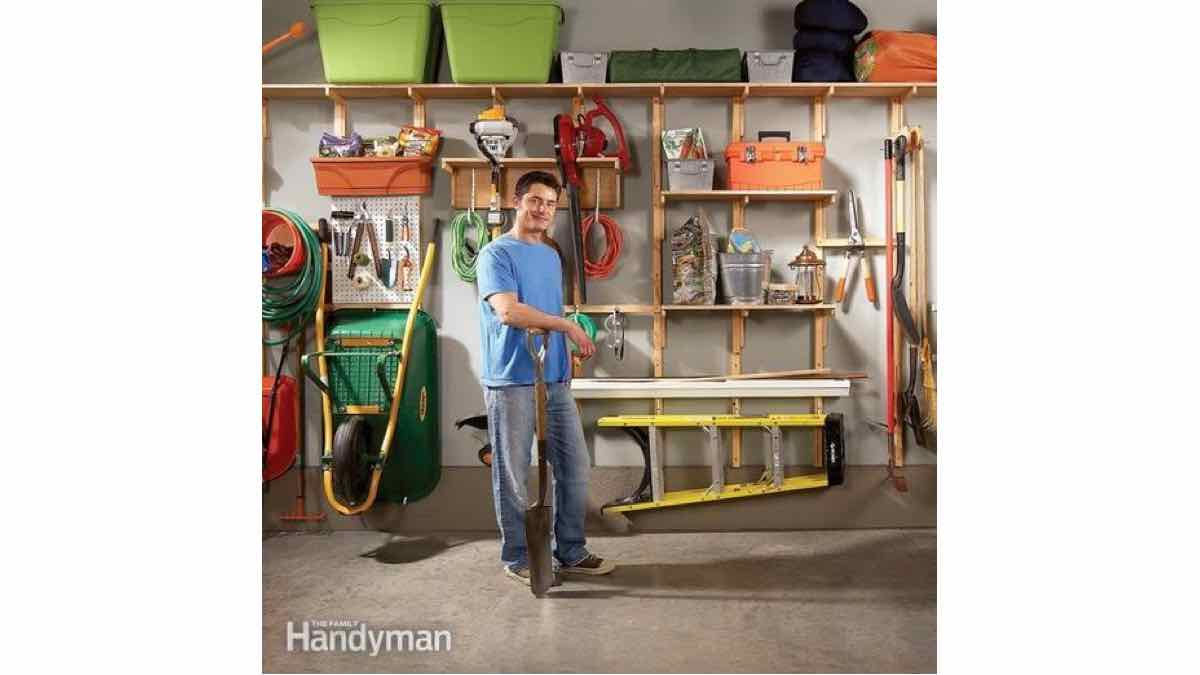 garage storage,wall storage,storage solutions,workshop shelving,DIY instructions,do it yourself,free woodworking plans,woodworkers projects,plans for how to build,DIY tools,diy networks