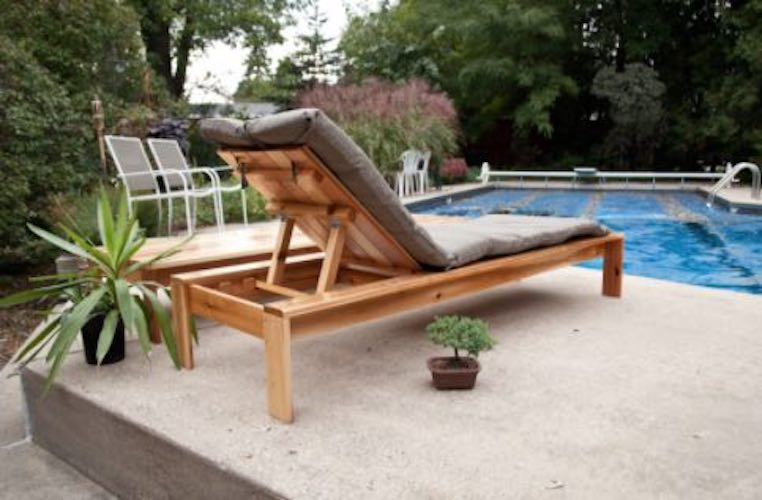 Free plans to build a Modern Outdoor Lounger.