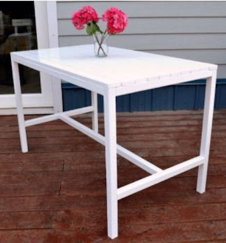 Free plans to build a Modern Outdoor Dining Table.