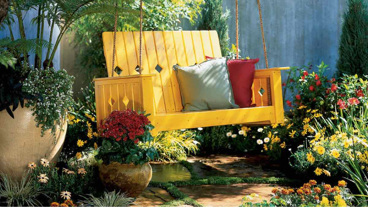 porch swings,swings,outdoors,wooden,DIY instructions,free woodworking plans,do it yourself,woodworkers how to build,tools,networks,ideas,woodcrafts