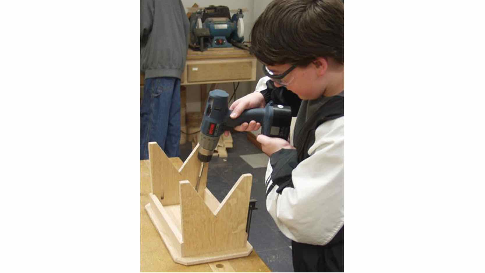 step stools,wooden,easy,childrens,childs,kids,DIY instructions,free woodworking plans,do it yourself,woodworkers,how to build