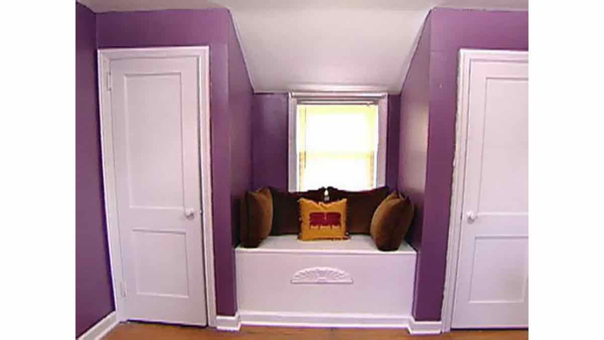 window seats,window bench,storage,free woodworking plans,projects,seating,built in,do it yourself,woodworkers