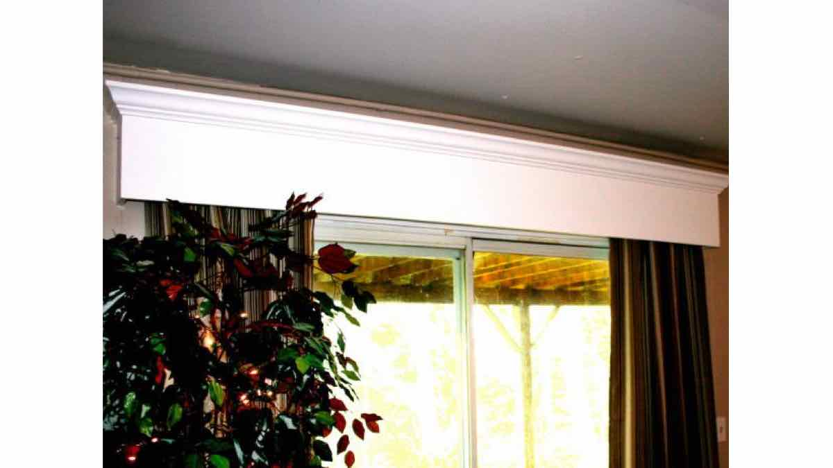 valance,cornice,wooden,free woodworking plans,projects,windows,decorative,do it yourself,woodworkers