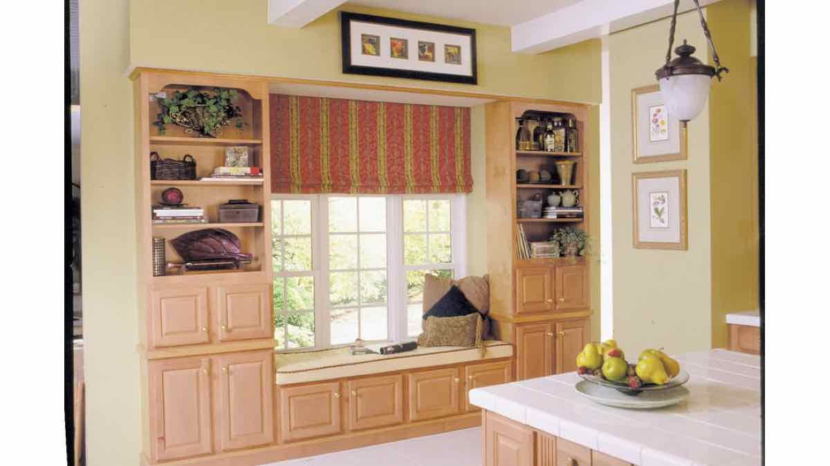 window seats,built in benches,storage,cabinets,free woodworking plans,projects,do it yourself,woodworkers