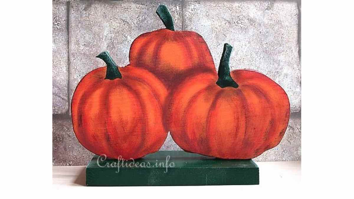 pumpkins,fall,halloween,free woodworking plans,projects,scroll saw,scrollsaw,do it yourself,woodworkers
