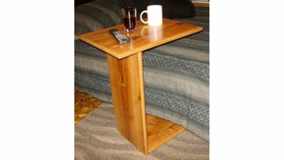 side tables,end tables,cantilevered,free woodworking plans,furniture,tv table,projects,do it yourself,woodworkers