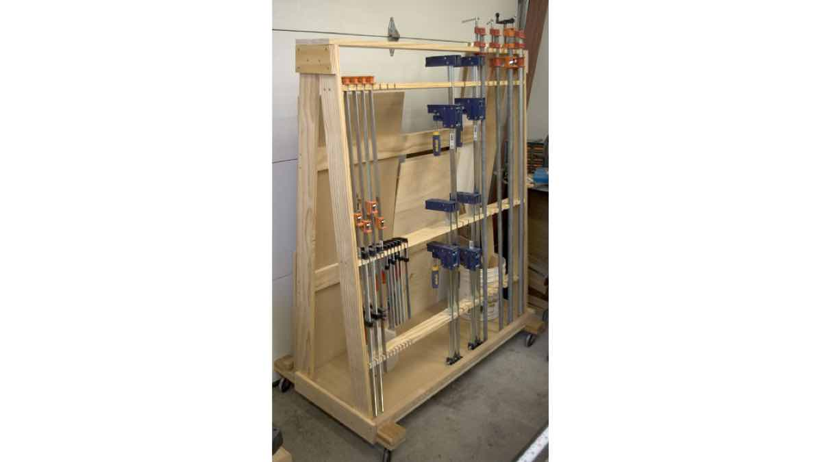 clamp racks,wood rack,storage,workshops,free woodworking plans,projects,do it yourself,woodworkers
