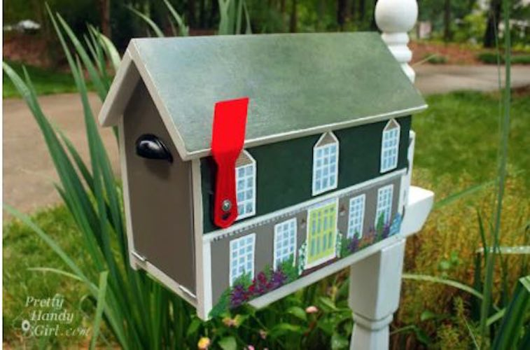 Build a House Shaped Mailbox using free plans.