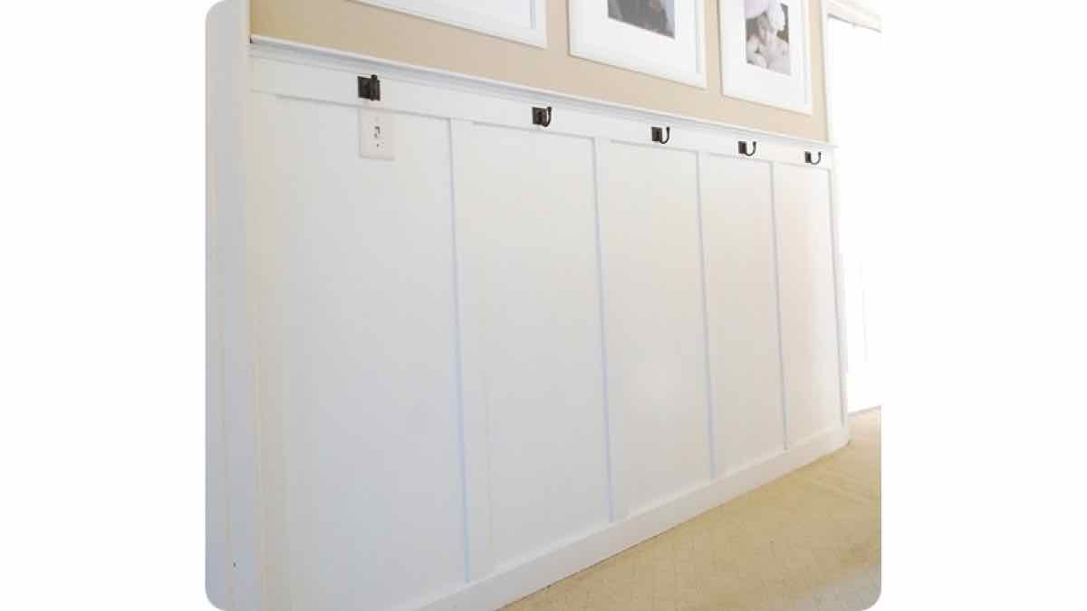 wainscoting,board and batten,free woodworking,plans,diy