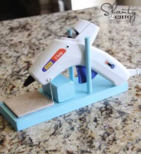 Free plans to build a Hot Glue Gun Holder.