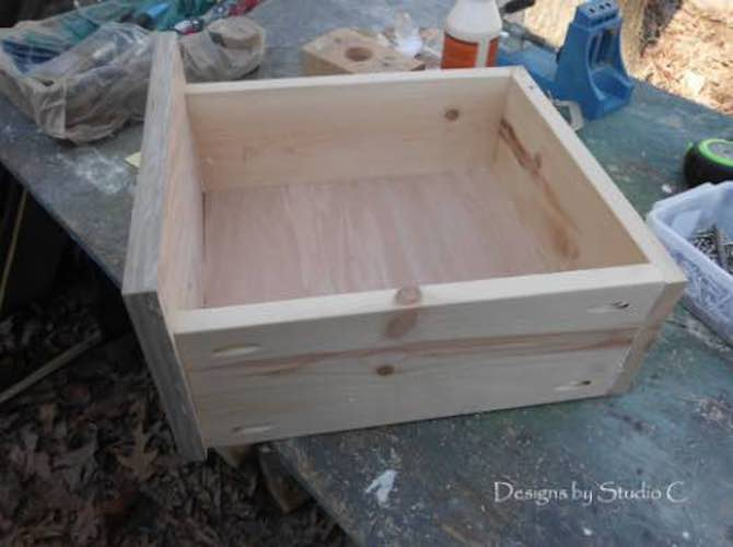 Learn How to Assemble Drawer Boxes using free plans.