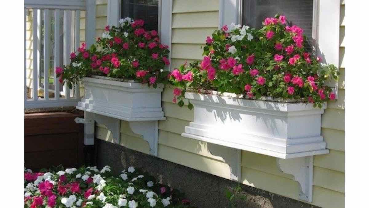 window boxes,flower boxes,planter boxes,free woodworking plans,projects,diy