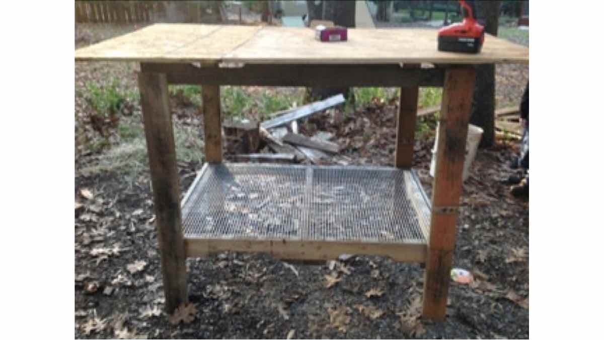 rabbit hutches,outdoors,pallets,free woodworking plans,projects,diy,recycling