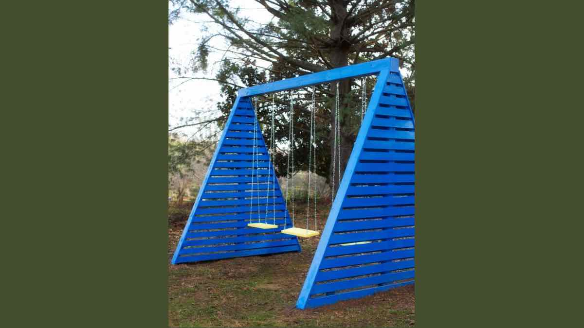 swing sets,outdoors,childrens,diy,free woodworking plans,free projects,do it yourself