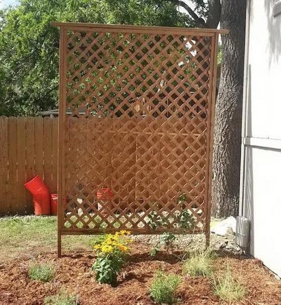 Free plans to build a garden Trellis.