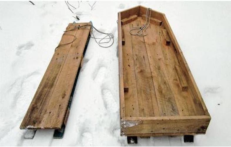 Free plans to build a Ski Sled.