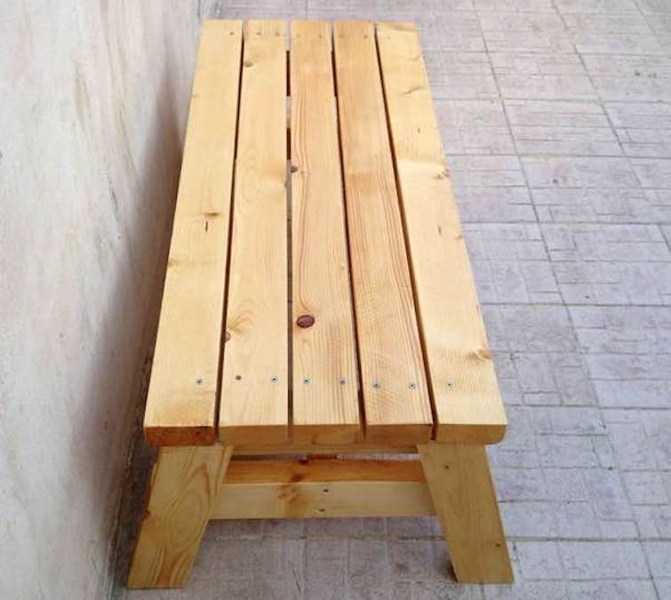 Free plans to build a sitting bench.