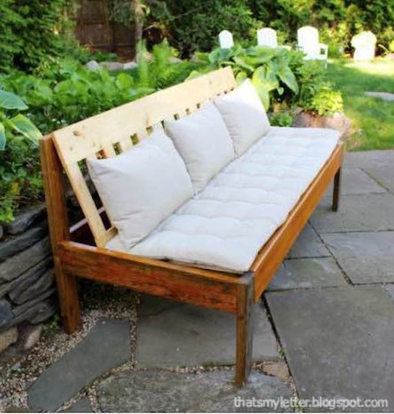 Free plans to build an Outdoor Sofa.