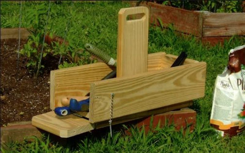 Free plans to build a Garden Tool Tote.