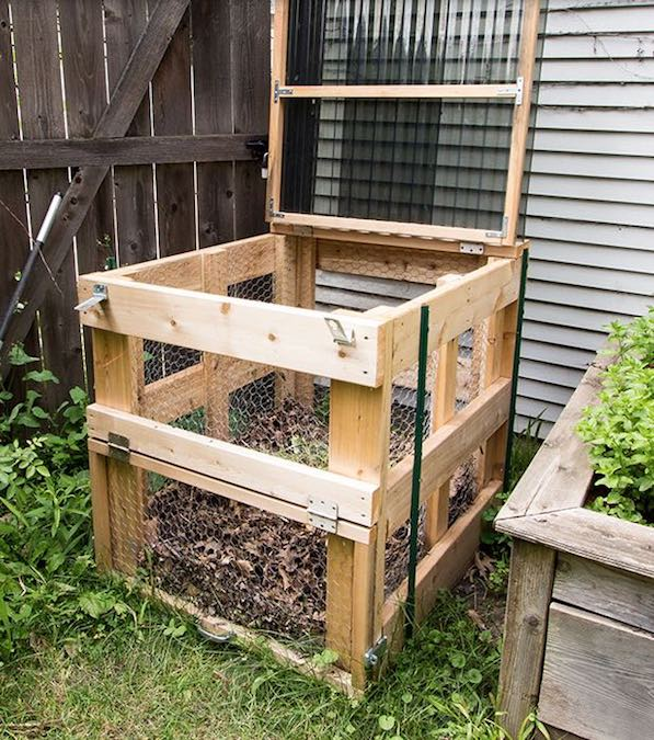 Free plans to build a Compost Bin.