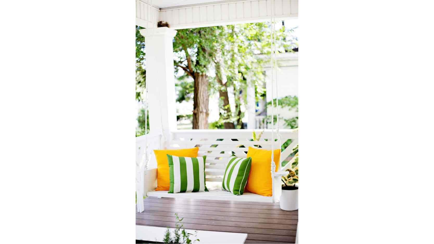 porch swings,wooden,hanging swings,diy,free woodworking plans,free projects,do it yourself