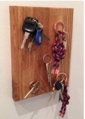 Free plans to build a Key Holder Magnetic.