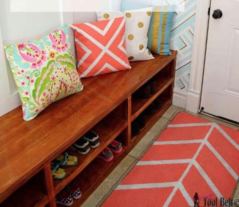 Free plans to build a Shoe Shelf Bench.